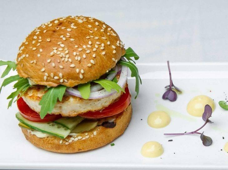 Тест редакции: бургеры с растительным мясом (миф или реальность?)