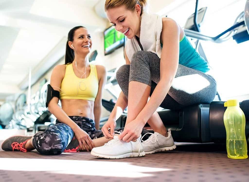 В чем ходить в спортзал мужчине. что одеть в тренажерный зал: удобно и стильно