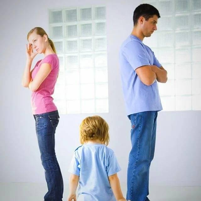 Почему молодой семье нельзя жить с родителями - умная