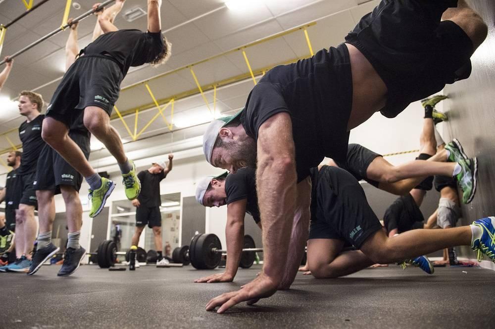 Кроссфит: описание тренировок, преимущества и недостатки