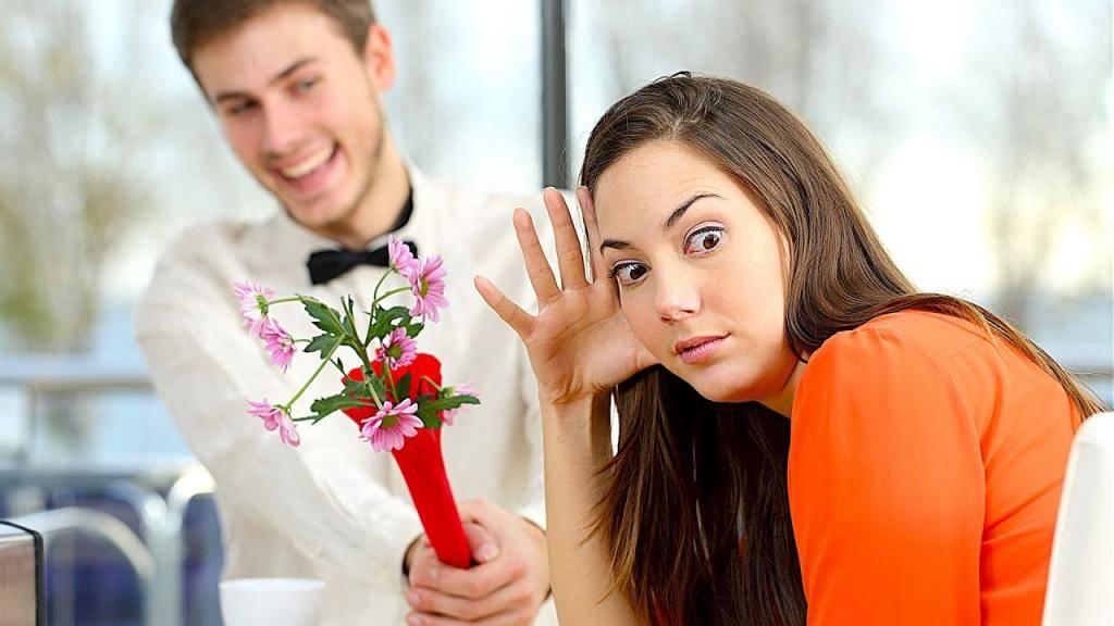 Что подарить девушке при знакомстве, на первом свидании: цветы, подарки, сюрпризы