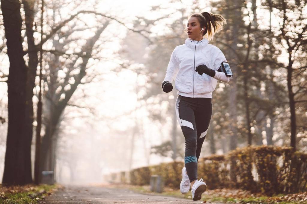 Как выбрать одежду для бега в холодную погоду? — все о беге на get.run