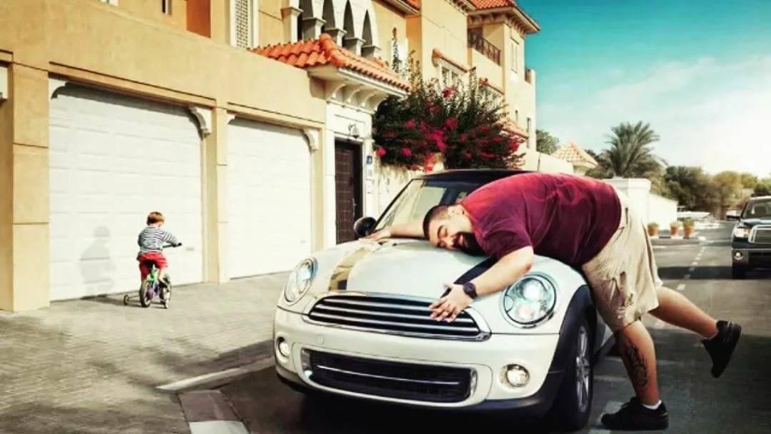 Я слишком бедный, чтобы покупать дешевые вещи: почему люди покупают дорогие авто?
