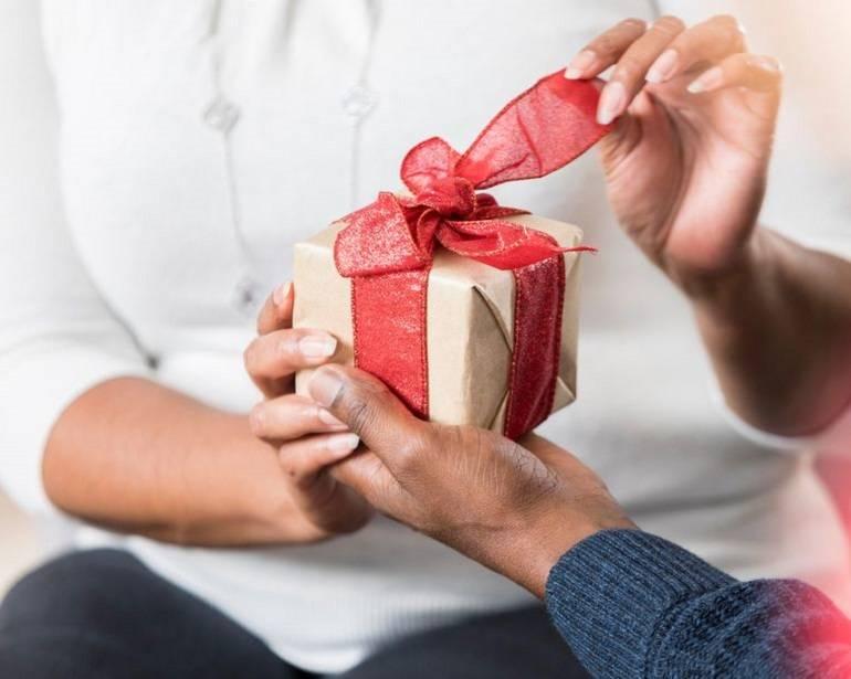 Топ 93 идеи что подарить девушке на день рождения +ещё 49 подарков