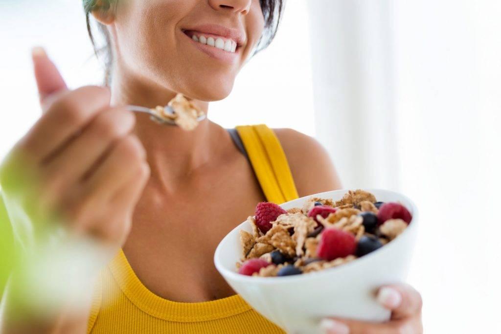 Эмоциональное переедание: как наладить отношения с едой?