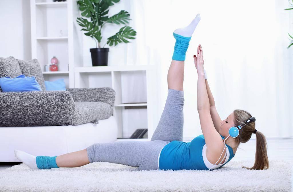 Тренировки дома для девушек: готовые программы упражнений для всех мышц (видео/фото/схемы)
