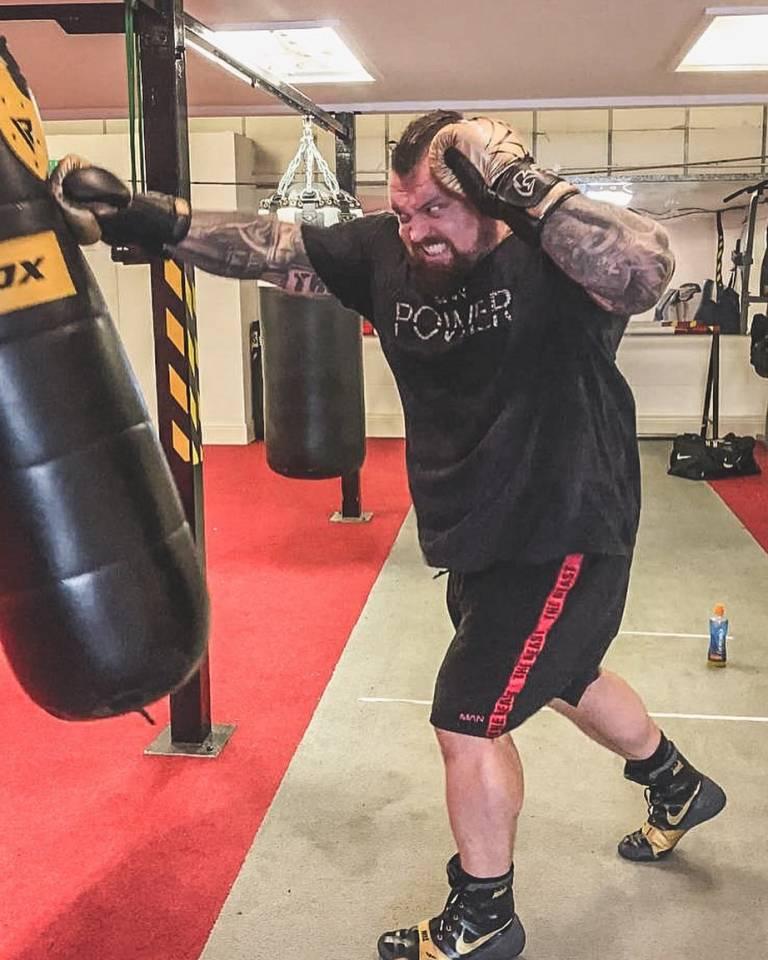 Хафтор «Тор» Бьёрнссон начал тренироваться с легендой MMA в рамках предстоящего боя с Эдди Холлом