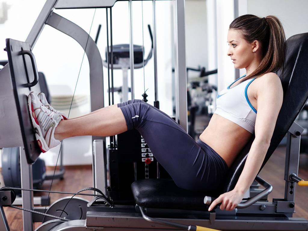 """3 вида самых энергозатратных упражнений для избавления от """"зимнего"""" жира"""