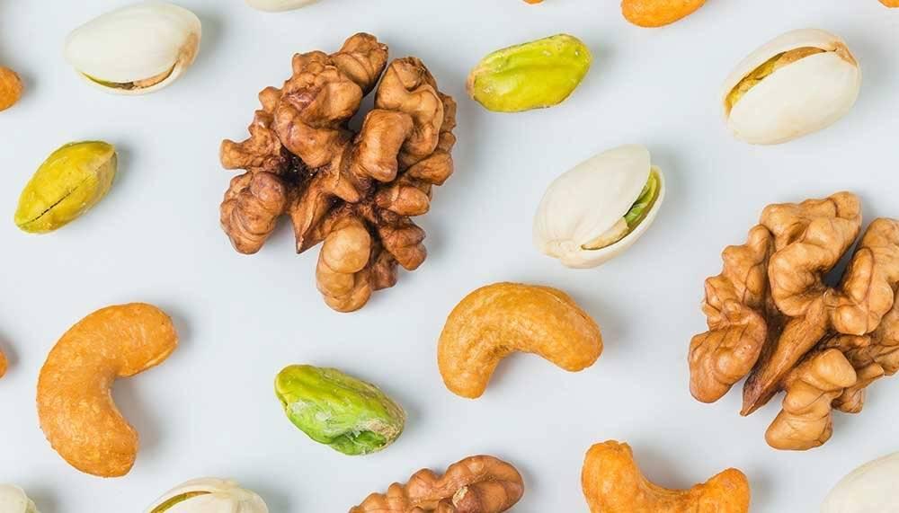 Выбираем самые полезные орехи: грецкие, кедровые, фундук или миндаль? употребление самых полезных орехов в разном возрасте - автор екатерина данилова - журнал женское мнение