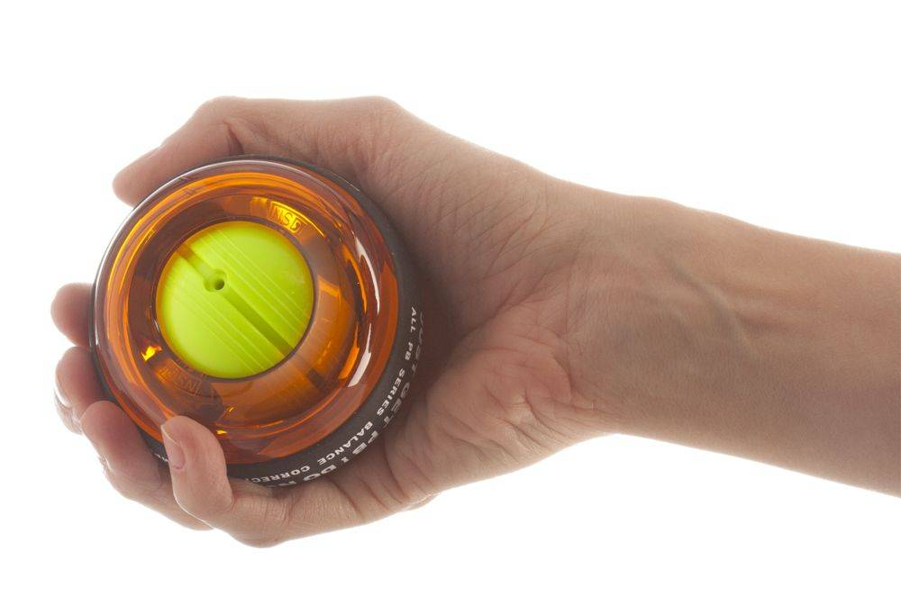 Кистевой эспандер для рук: польза, как выбрать и как правильно заниматься