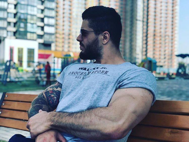 Биография ведущего, фитнес-блогера, писателя дениса семенихина - swyper