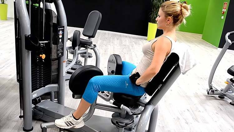 Жим ногами в тренажере: техника выполнения, вариации упражнения