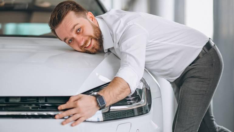 Зачем мужчины покупают дорогие машины?