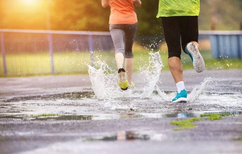 Зимняя одежда для бега: требования, правила выбора, примеры