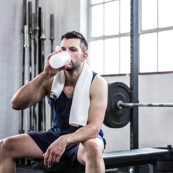 Советы тренеров и инструкторов, можно ли пить воду во время тренировок