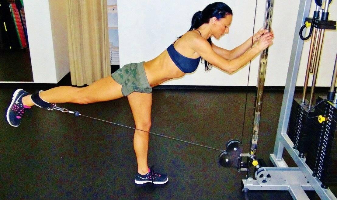 Отведение ноги назад в партере: техника с прямой ногой и согнутой