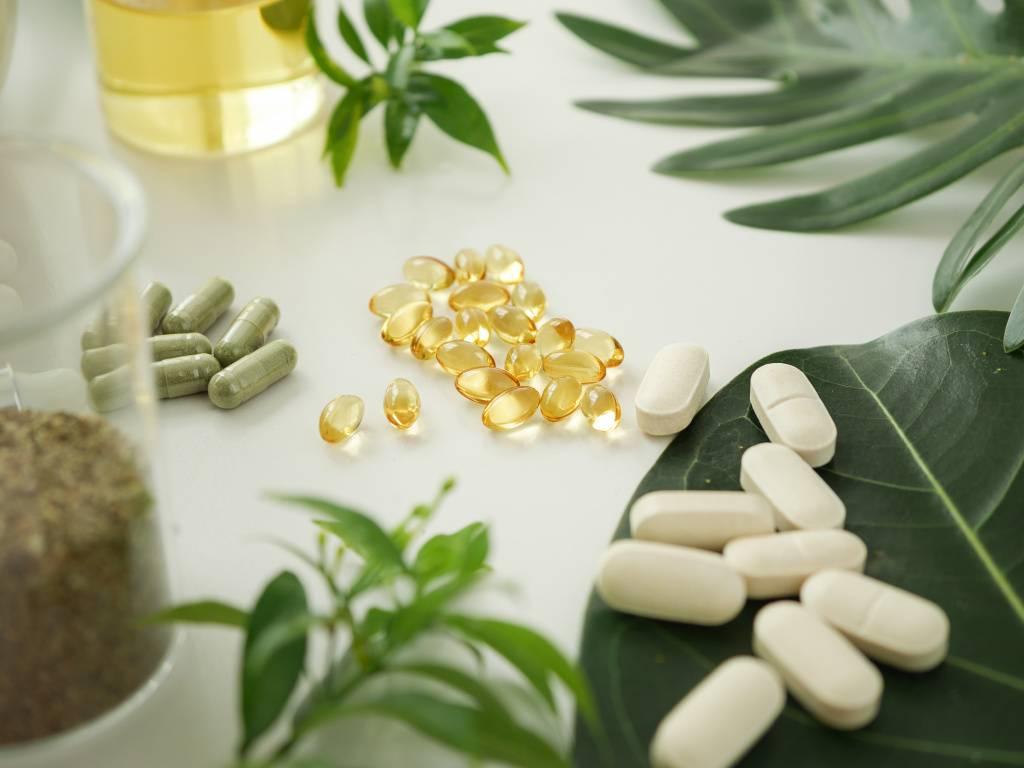Антивозрастные добавки: топ 12 по эффективности