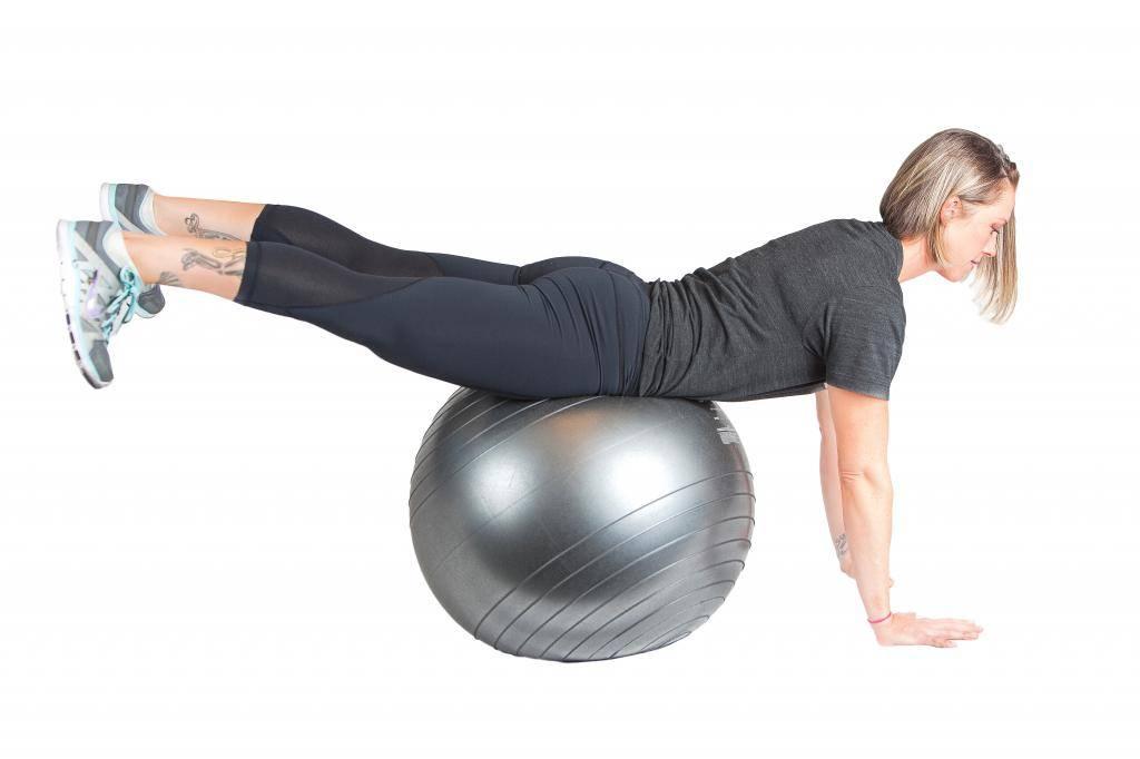 Гиперэкстензия на ягодицы: техника упражнения с круглой спиной