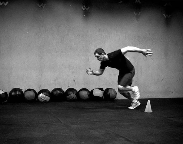 Ознакомление и разучивание техники челночного бега 10х10 м (упражнение № 44). тренировка техники бега на 100 м (упражнение № 43).