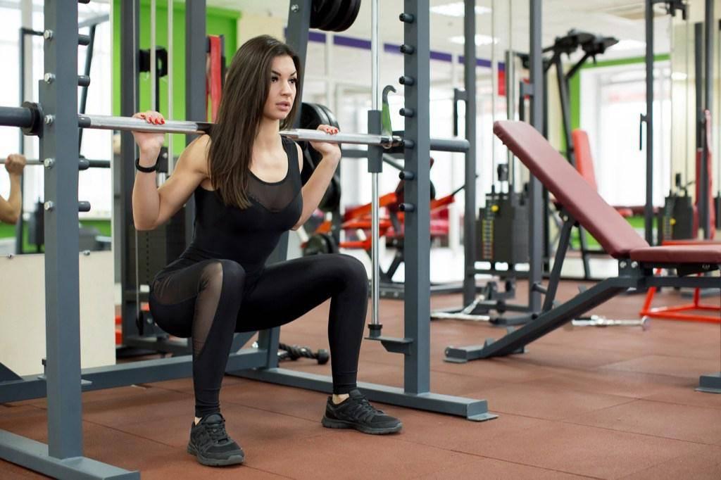 30 лучших упражнений без тренажеров для дома