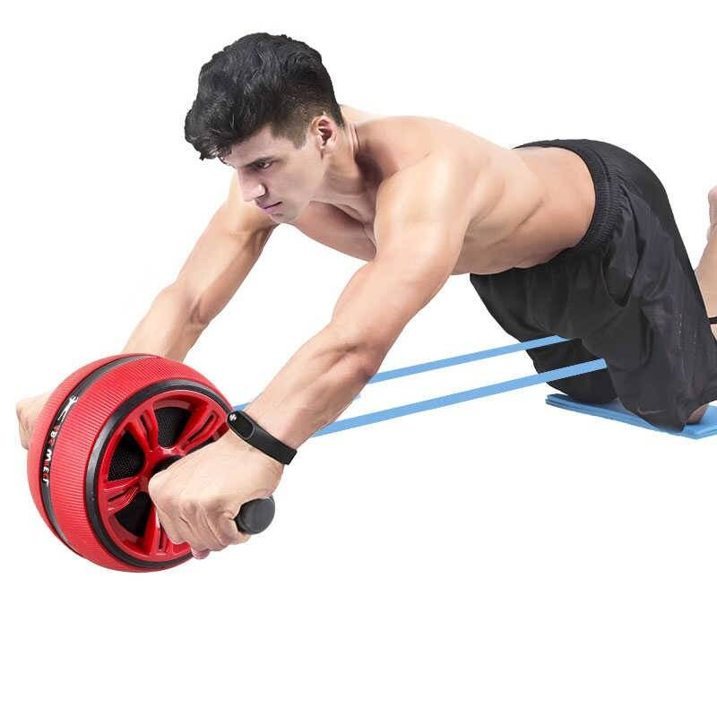 Упражнения с роликом для пресса — бьём колесиком по жировым отложениям