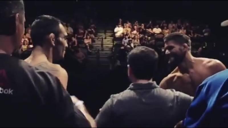 Конфликт между бодибилдерами Андре Фергюсоном и Джереми Буэндиа может вылиться в бой на ринге