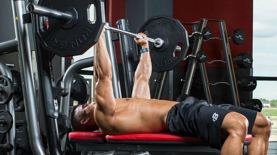 Жим лежа узким хватом: техника выполнения, какие мышцы работают