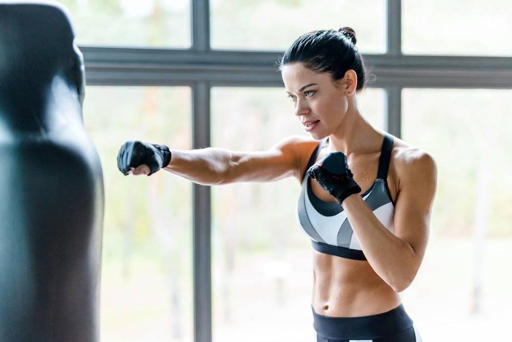 «боевая» аэробика — игровой бокс с хорошим настроением!
