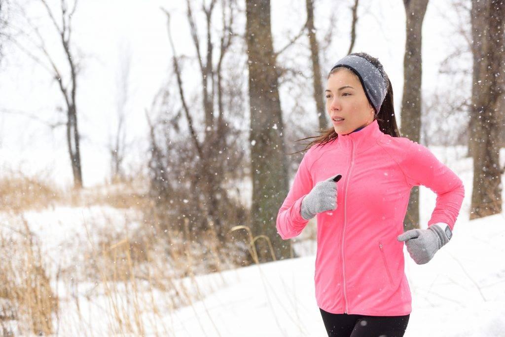 Бег зимой на улице: как правильно бегать с пользой для здоровья