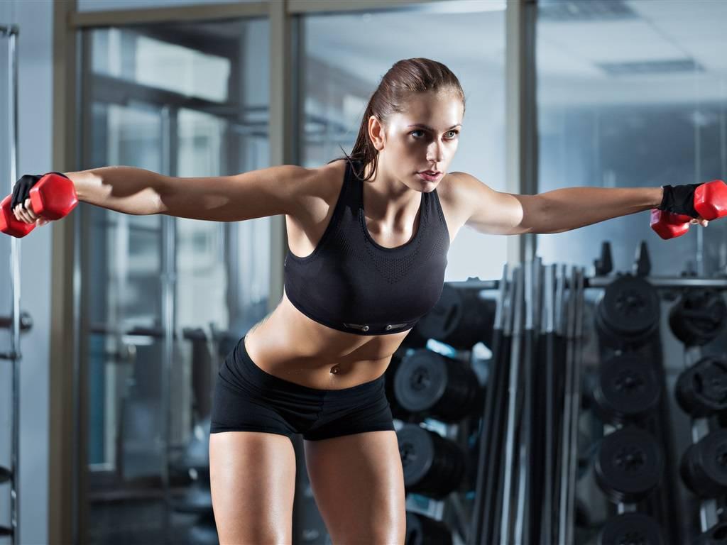 Что лучше для похудения – фитнес или тренажёрный зал: сравниваем занятия