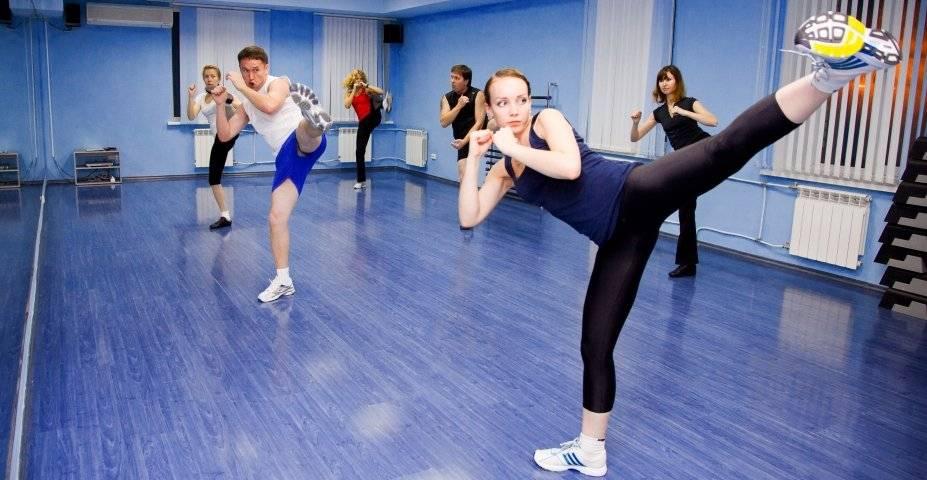 Тай бо – боевая аэробика для женщин и мужчин, помогающая похудеть и привести мышцы в тонус
