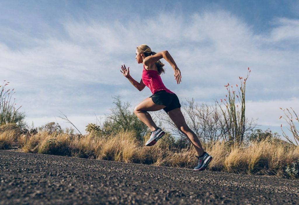 Кроссовки для бега: по асфальту, для зимы, рейтинг лучших