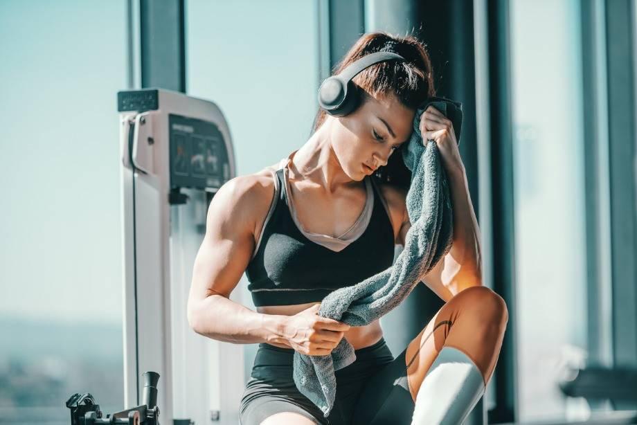 Что лучше выбрать для похудения – фитнес или тренажерный зал?