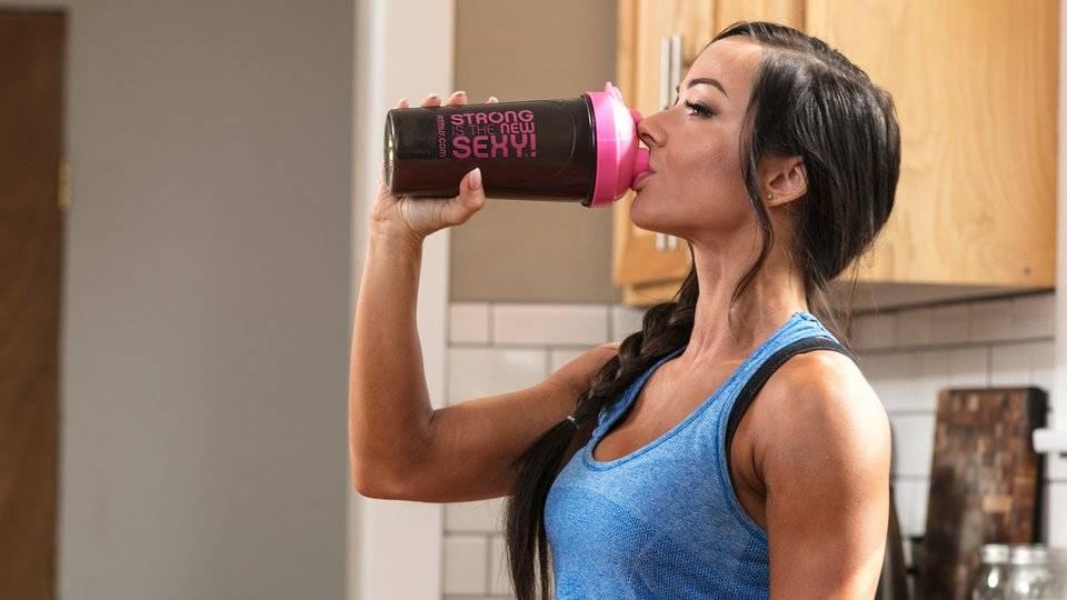 Как пить протеин для похудения девушкам: советы - tony.ru