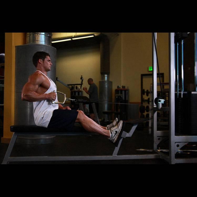 Тяга горизонтального блока. упражнение для спины на тренажёре