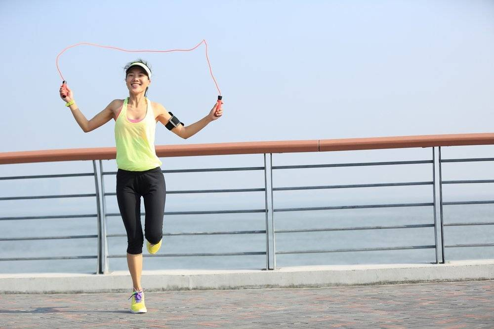 Скакалка для похудения: правильные прыжки чтобы похудеть, эффективное упражнение для ног и живота