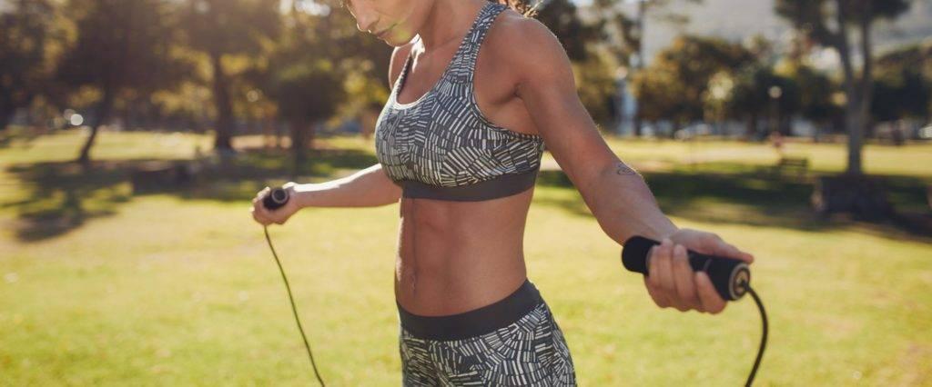 Что лучше - бег или скакалка для похудения и здоровья