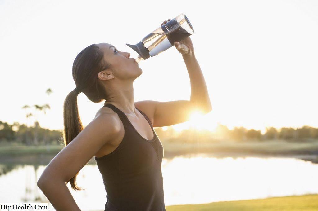 Вода во время тренировки: можно или нет