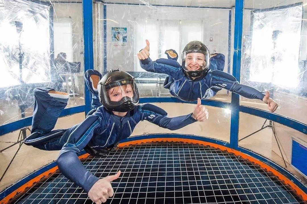 Обзор одной из разновидностей прыжков с парашютом - скайдайвинг