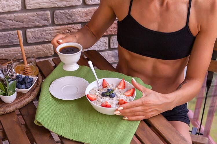 Спортивное питание для женщин: как получить пользу без риска