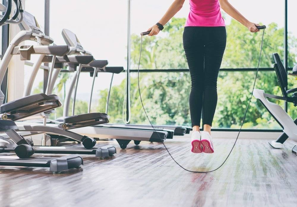 Силовые тренировки при похудении: особенности, примеры комплексов для дома и зала