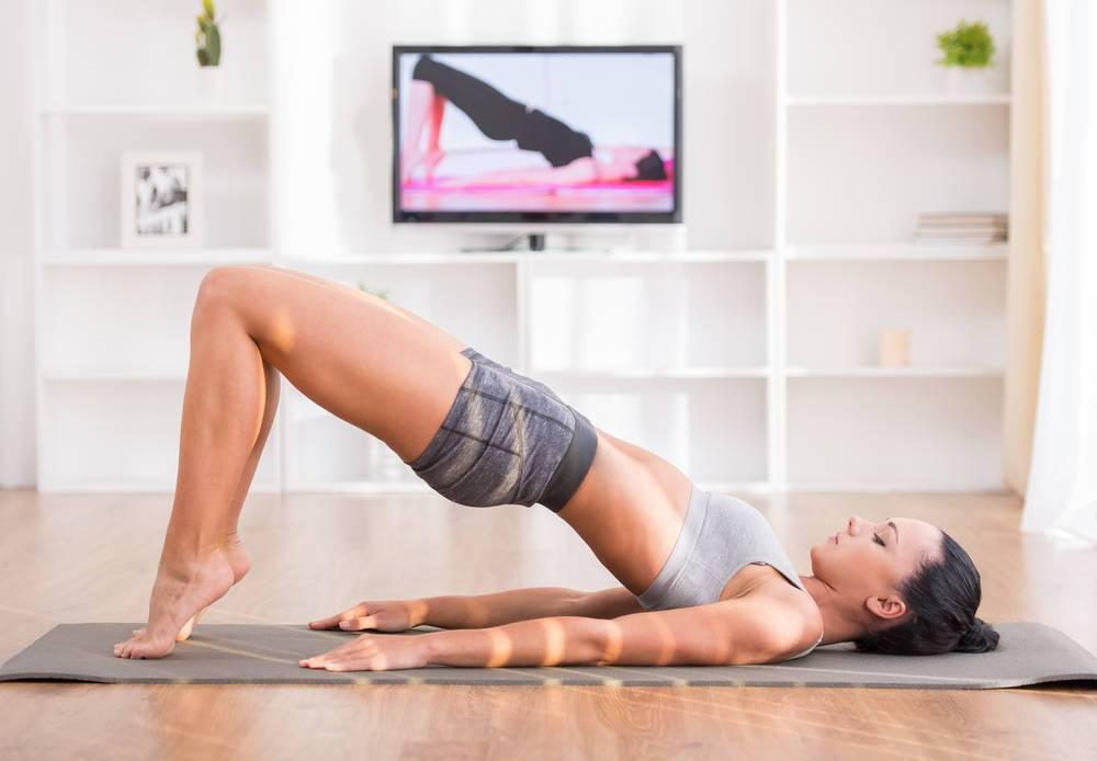 Тренировка дома: три программы для девушек с учетом физической подготовки