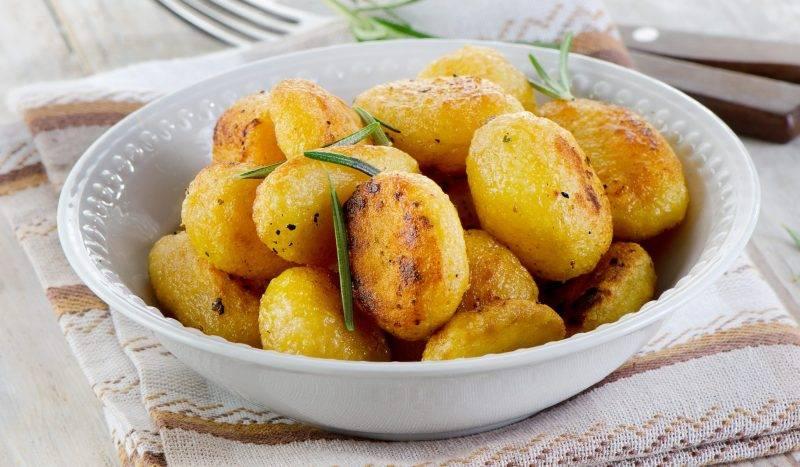 Сколько калорий в жареной картошке и как ее вкусно приготовить?
