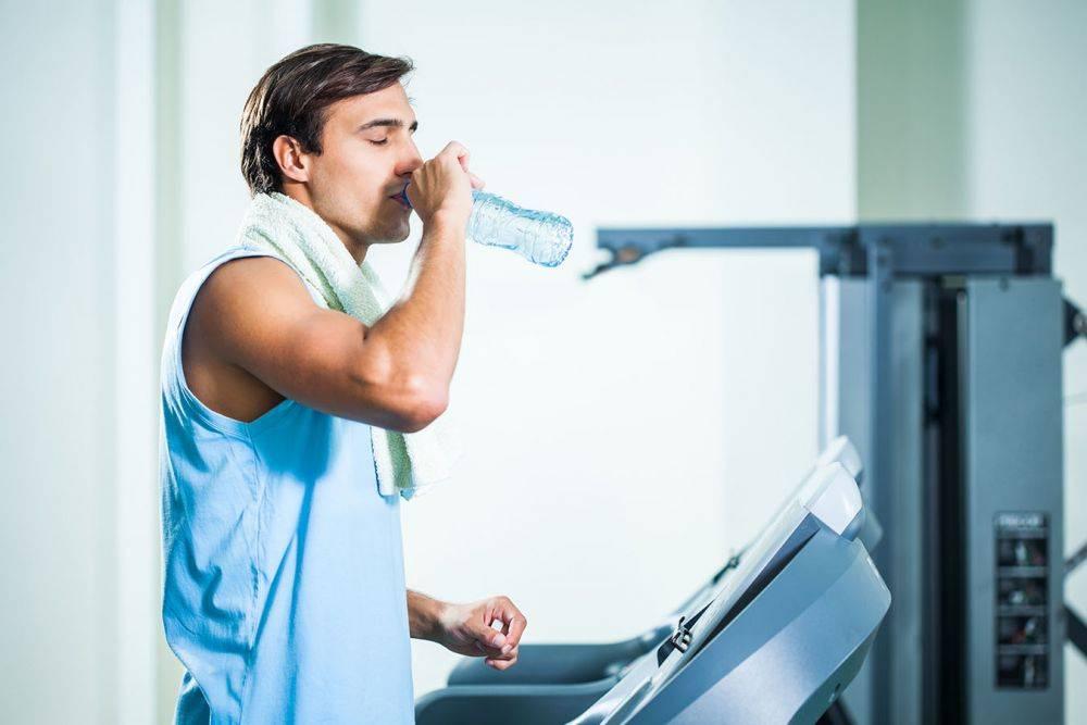 Можно ли пить воду до, во время и после тренировки?