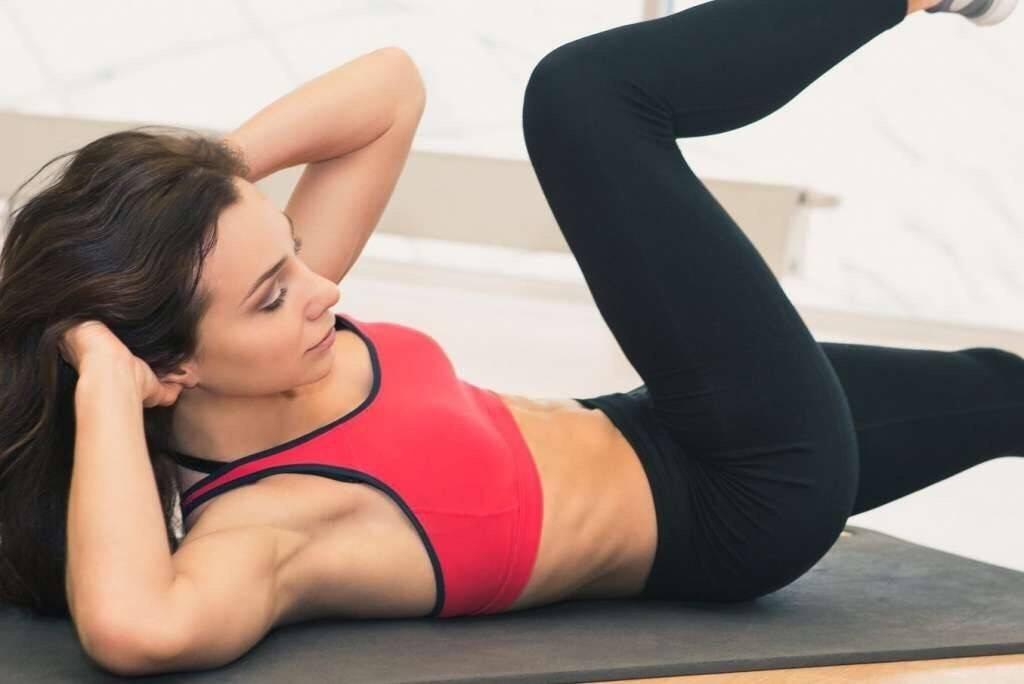 Упражнения для уменьшения талии в зале