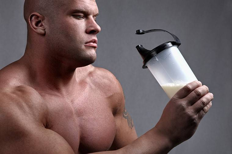 Преимущества и недостатки приема протеиновых добавок
