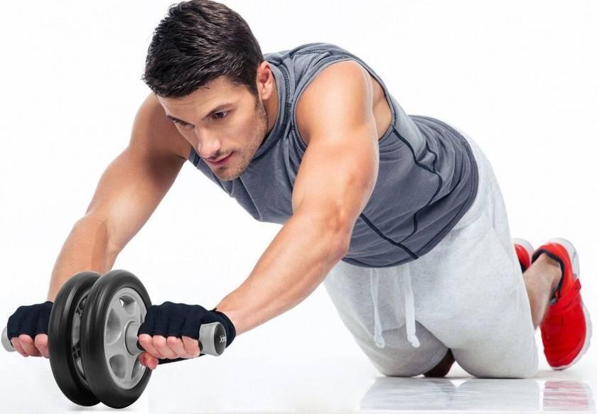 Как накачать пресс с помощью гантелей: лучшие упражнения