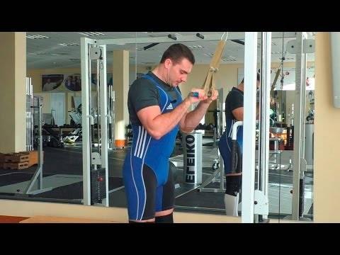 Тренируем трицепс: как выполнять разгибание рук на вертикальном блоке