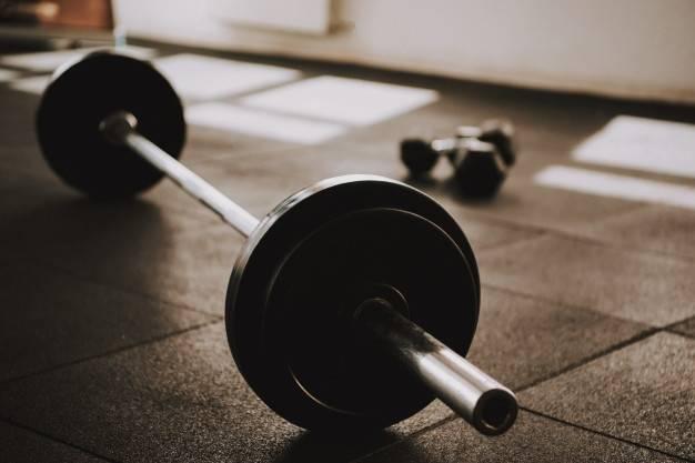 Эффективные упражнения с блином от штанги