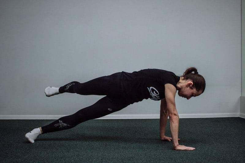 Боковая планка: техника выполнения, виды и воздействие на тело